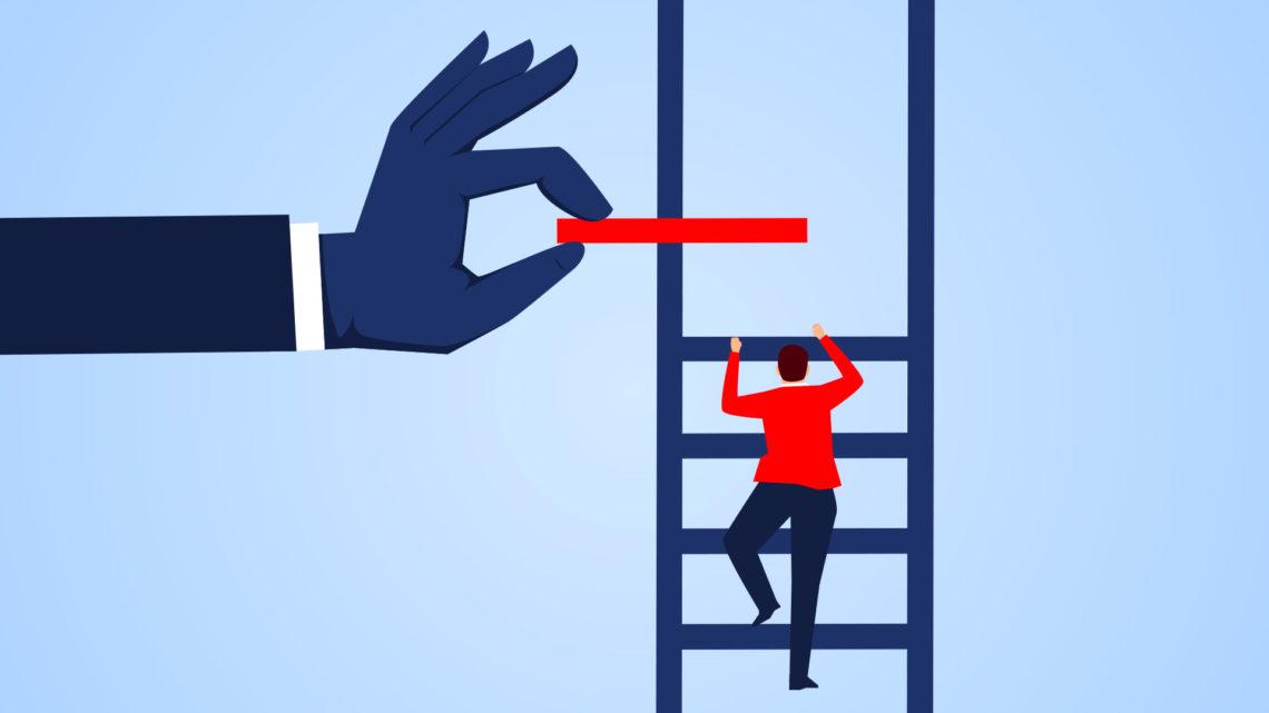 Ilustração de um homem subindo uma escada, e uma mão ajuda ele a subir.
